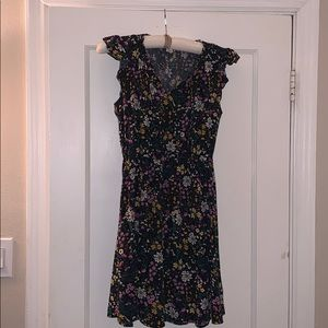 Sweet and cute spring/summer floral dress.
